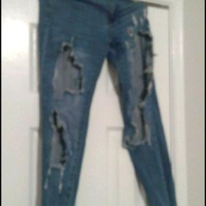 Super Distressed Fitted Jeans